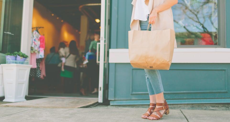 holding-shopping-shopping-young-woman-sidewalk-woman-shop-bage_t20_1blPE1